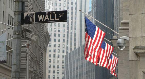 Viagem a Nova York: Wall Street, a rua da bolsa de valores.