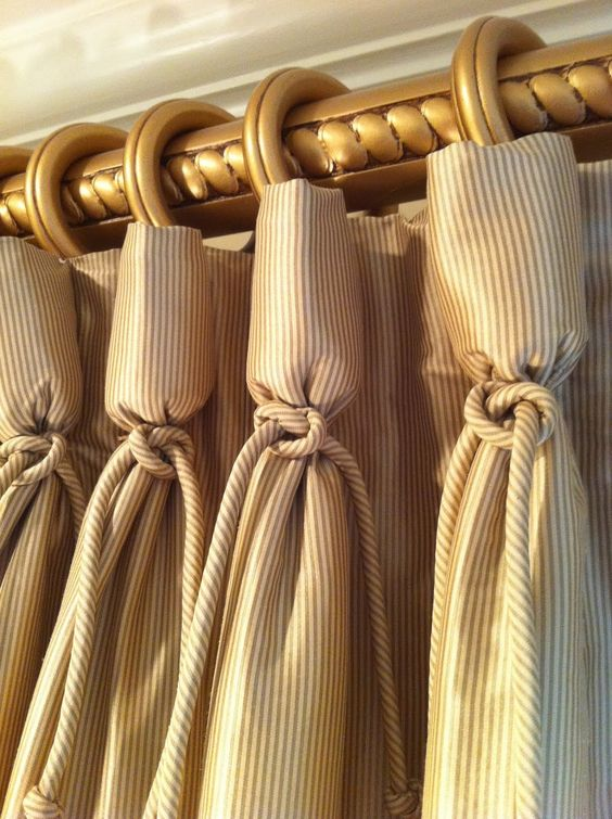curtain detail (goblet pleat):