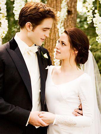 Belle Kristen Stewart dans chic robe de mariée