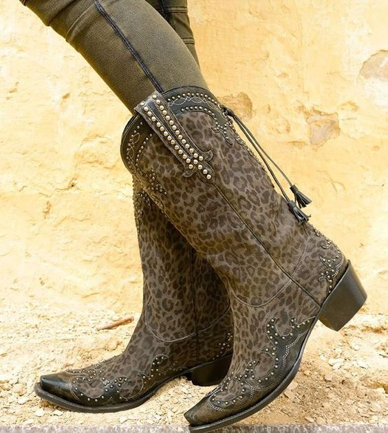 Double D Ranch By Lane: Cheetah Chic Grey Boot!