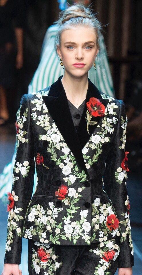 Dolce & Gabbana Spring 2016 - Vogue Runway