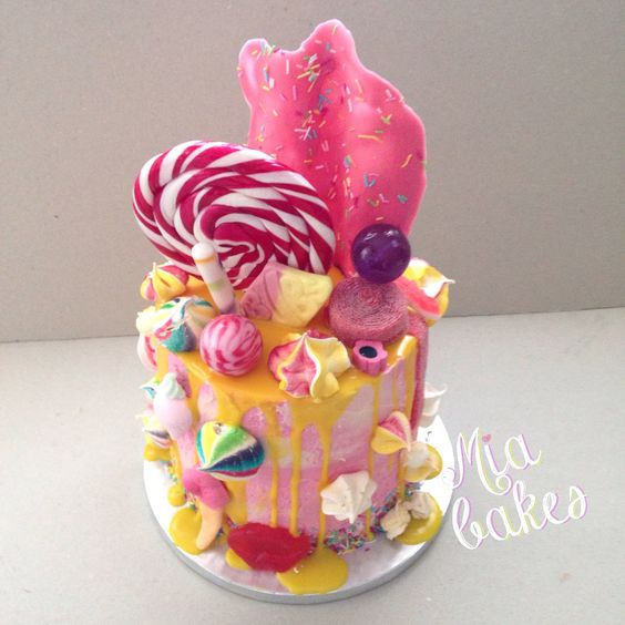 Dripped candy cake by mia_bakes
