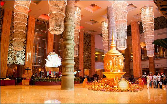 Không gian tráng lệ và đẹp mắt ở ngay tầng trệt của Casino Naga Word