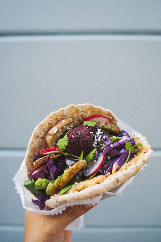 Beetroot falafel: