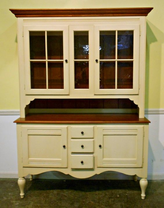 Painted hutch painted hutches dining room sets for Painted dining room hutch ideas