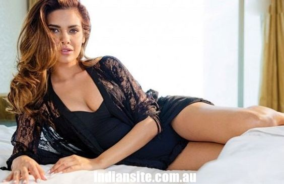 Esha Gupta Hot & Spicy Gallery - Indiansite:
