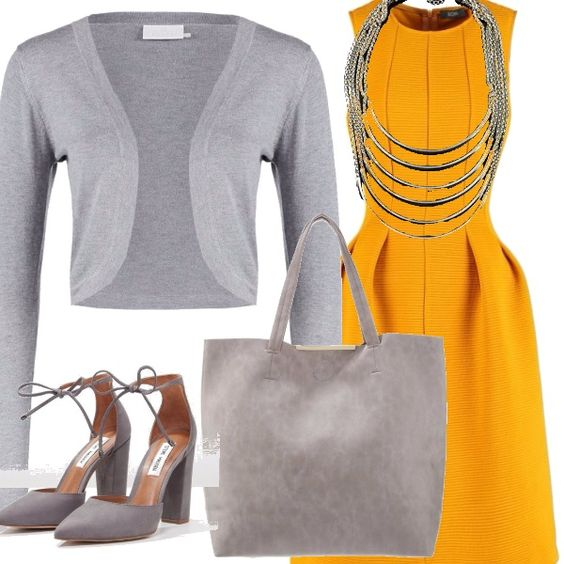 Giallo e grigio per questo outfit composto da un vestito smanicato da indossare con un cardigan corto, scarpe con tacco alto legate alla caviglia, borsa capiente e una collana con tanti giri dargento.