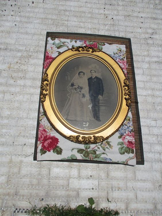 """FREE SHIPPING Antique 1905 Highly Ornate Gold Gesso Victorian Baroque Designs Framed Wedding Couple Fancy Picture Frame, 25.5"""" x 21.75"""""""