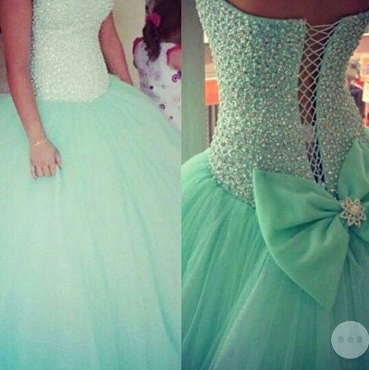 In love with this dress. I want!!!