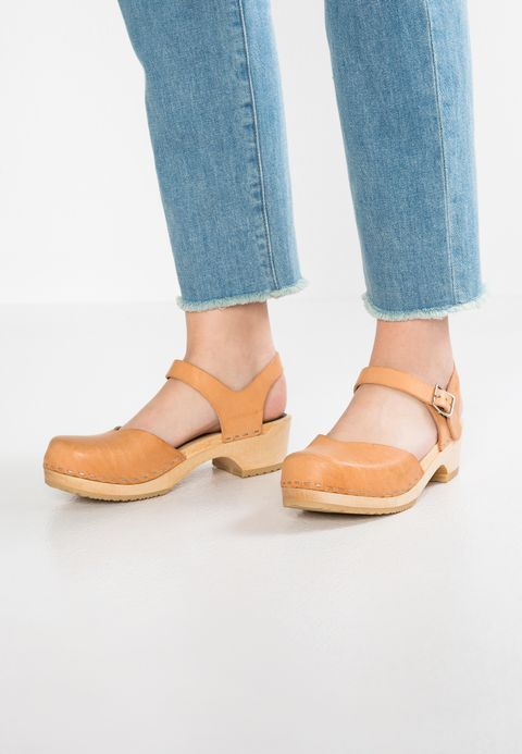 the best attitude 94acf 54291 COVERED LOW - Clogs - nature @ Zalando.be 🛒 | Just SHOES IT ...