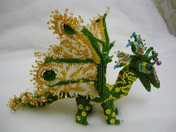 Happy green beadwork dragon by персона. Those wings<3