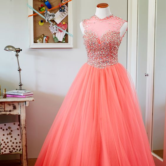 Prom dress shopping 101: 1. Look for embellishments! Sequins ...