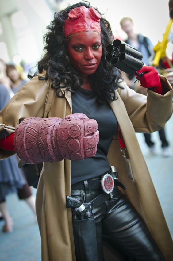 Female Hellboy Cosplay SDCC 2011 Outstanding!