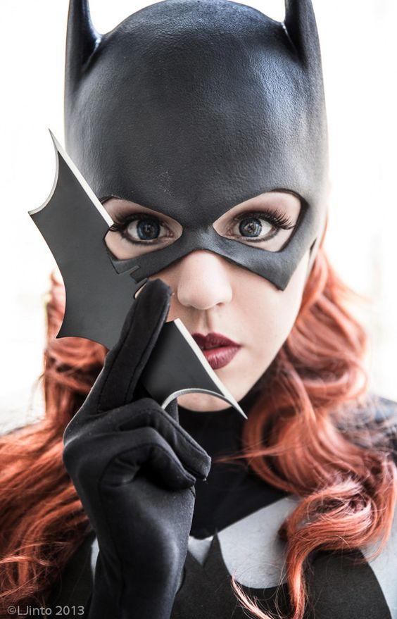 thehappysorceress: mangosirene: Reckoning ★ MangoSirene Batgirl: Mango SirenePhotography by LJinto @ C2E2 '13. Dang - love this.