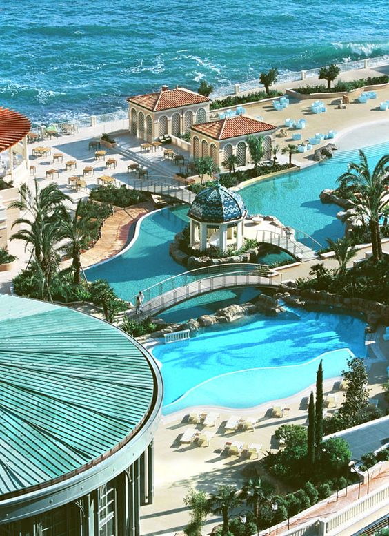 Vizzion Architects - Monte-Carlo Bay Hotel and Resort - glorious swimming pool