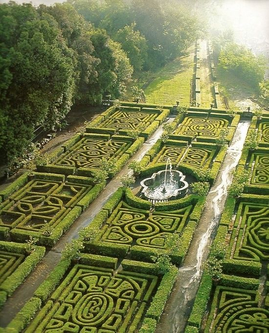 Maze Gardens at Ruspoli Castle Northern Lazio, Italy #cmglobetrotters: