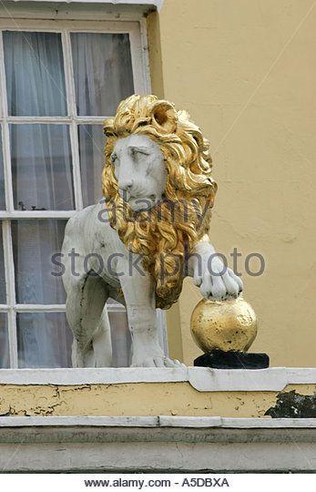 Golden Ball Pub Stock Photos & Golden Ball Pub Stock Images - Alamy