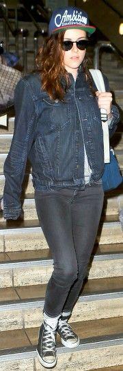 Kristen Stewart arriving at LAX, 1/18/14