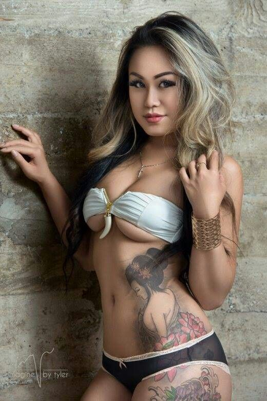 gorgeous-tattoed-asian-women-naked-here