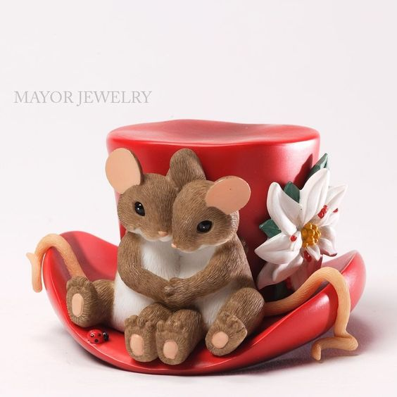Charming Tails The Season Like Having You By My Side Figurine 4034346 Enesco New