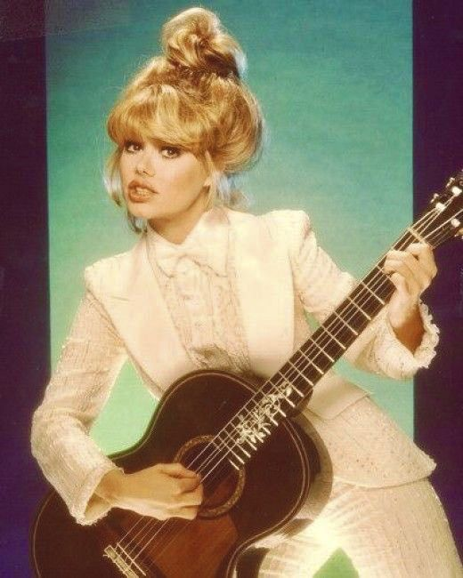 Pin By Barbara G On Aes Assorted Female Guitarist Charo Singer Guitar