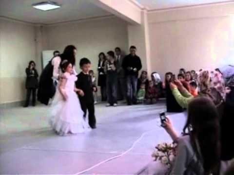 Huseyin Aslan Anaokulu Mezuniyet Toreni Lirik Dans Gosterisi Youtube Okul Oncesi Okul Ilkogretim Okullari