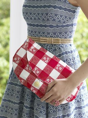 DIY oilcloth clutch