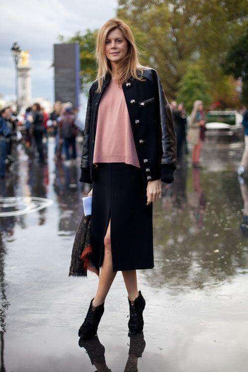 ミモレ丈スカートとフェミニンカラーのインナーを合わせて女っぽく♡ 人気のおすすめスタジャン一覧。レディースファッションまとめ。