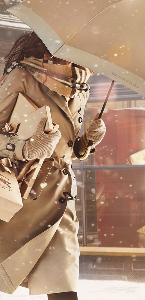 Heritage gifts for her from Burberry, including trench coats, totes and umbrellas: