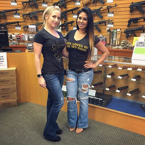 Before my CCW class last Saturday at @scottsdalegunclub, I was slobbering over all the store's guns, suppressors, and ammo when my eye suddenly caught something much more impressive: @cctactics in the wild! - #556 #gunfun #pewpewpew #pewpew #gungirl #gungirls #shooters #3per #girlswithguns #girlswhoshoot #2a #igmilitia #armystrong #molonlabe #merica #military #blackrifles #gunchannels #pewpewlife #blondeshavemorefun #dtom #tacticalgear #2ndamendment #training #gunsallowed #usmc #suppressor…
