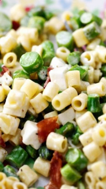Spring Pasta Salad with Asparagus, Bacon Feta Recipe ~ light packed with flavor. Check out more recipes like this! Visit yumpinrecipes.com/