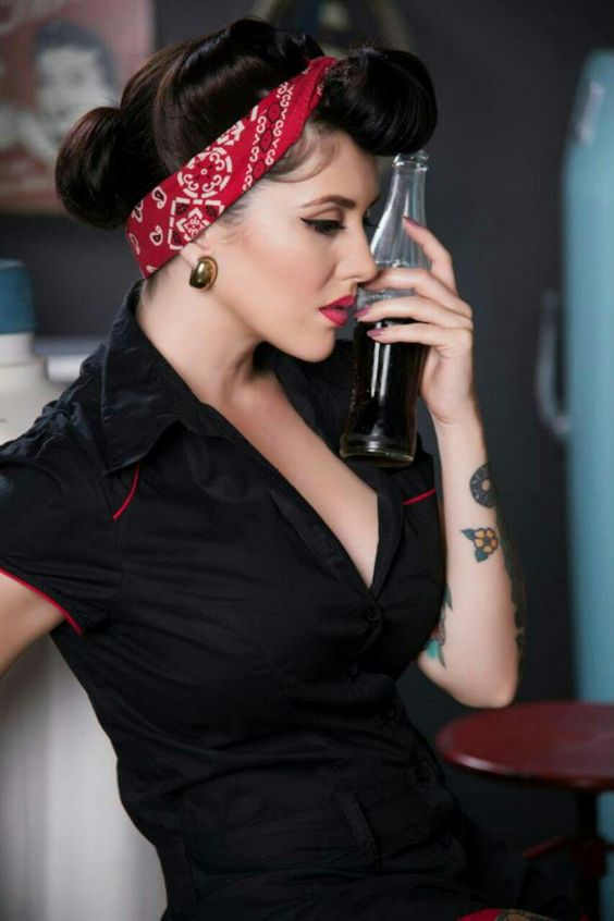 Peachy Rockabilly Pin Up Pin Up Hairstyles And Buckets On Pinterest Short Hairstyles Gunalazisus