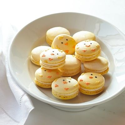 Super Cute Easter Chick Macarons #williamssonoma