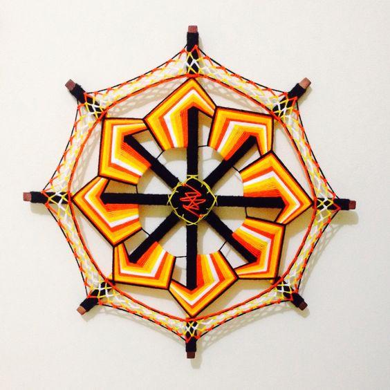 Mandala de lã  TAM: 60 centímetros  Modelo: cata-vento