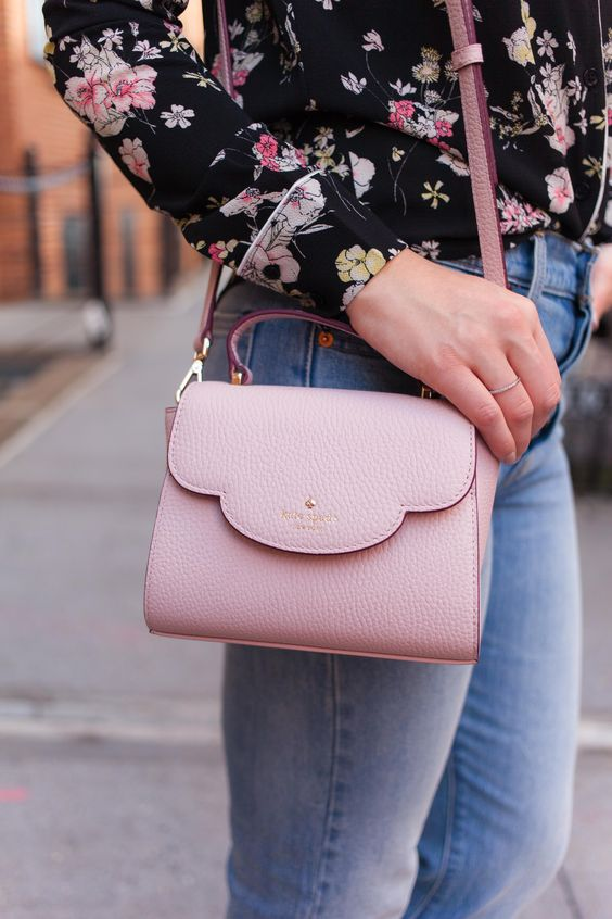 scalloped kate spade bag // carlyahill.com