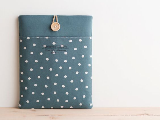 Hey, I found this really awesome Etsy listing at http://www.etsy.com/listing/170887245/15-inch-macbook-pro-retina-case-15
