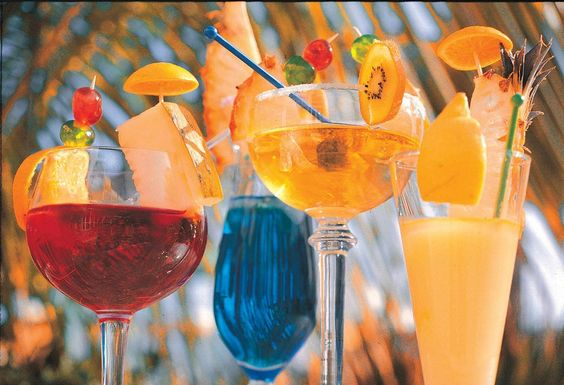 All Inclusive heerlijke cocktails! Iberostar Punta Cana, Domincaans Republiek oud en nieuw 2007-2008 met manlief. Take this coupon and travels to the Dominican Republic, 3% discount on renting houses, apartments and private room with Wimdu. #wimdu #airbnb #airbnbcoupon #puntacana #dominicanrepublic #honeymoon #wedding