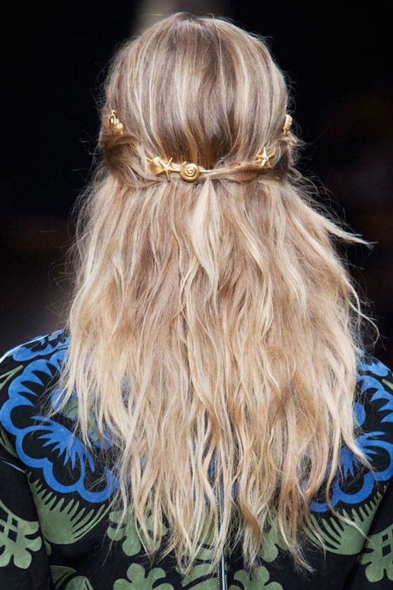 Lazy girls, opt for a textured, distressed beach wave mermaid hairstyle.