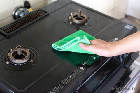 コンロ周りの掃除を実践 焦げ付きを簡単に落とすには何をどう使う 2020 ガスコンロ 掃除 掃除 油汚れ