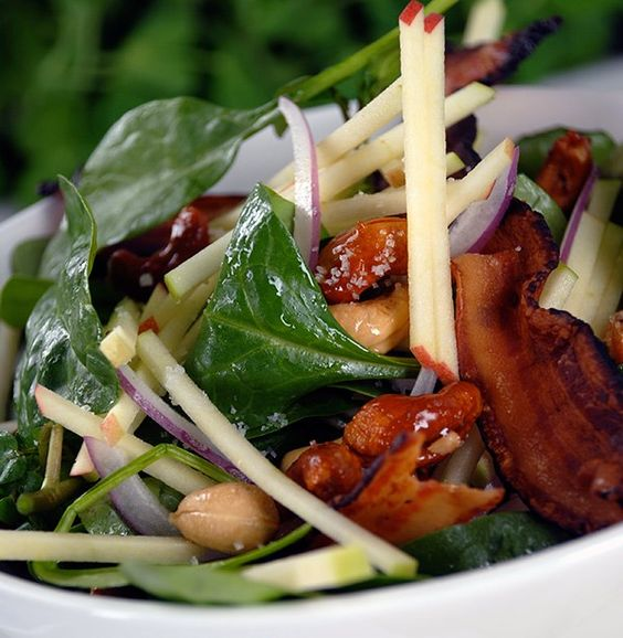 Spinach Salad with Bacon, Cashews and Apples
