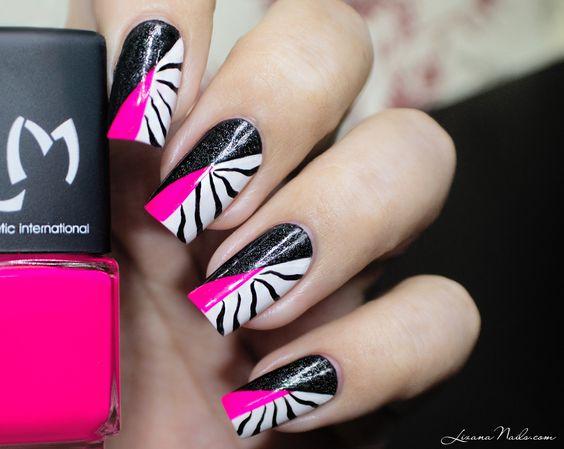 """Voici ma participation au """"Twin Eternail"""" de Eternail et Love Nails Etc, sur Instagram. Reproduction du Nail Art Zebra de Vernisenfolie."""