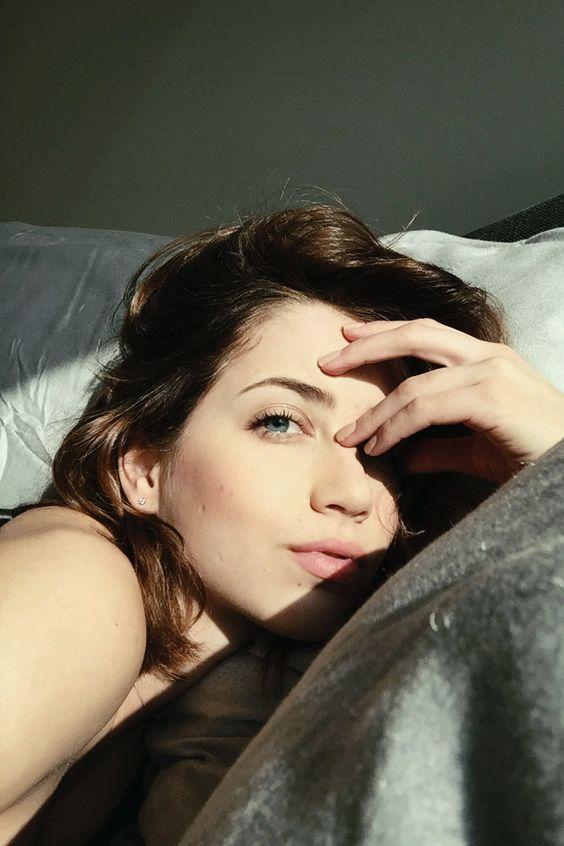 Emily Rudd - Tumblr Profile Pic [x-post r/EmilyRudd] get ...