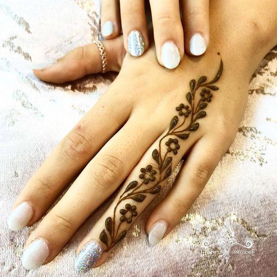 Amazing Finger Design By Henna Paradise Mehndi Designs El Kina Vucut Sanati