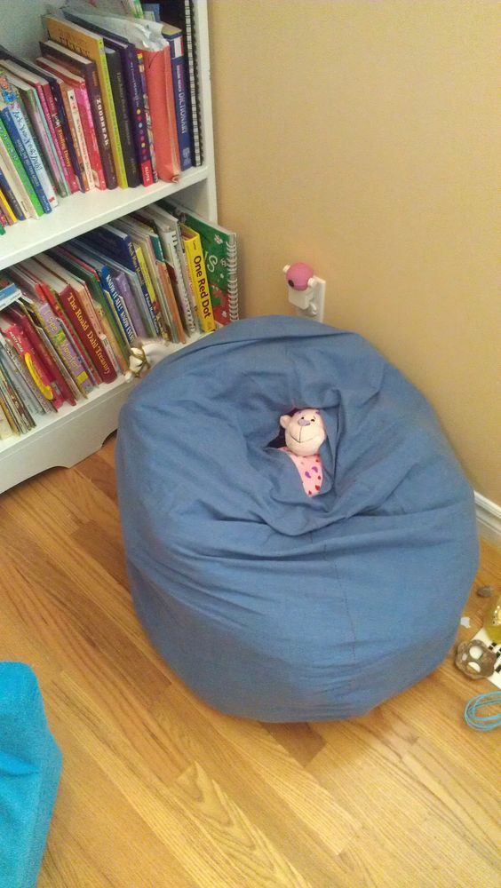 Made A Beanbag Chair Out Of An Old Sheet Filled It With