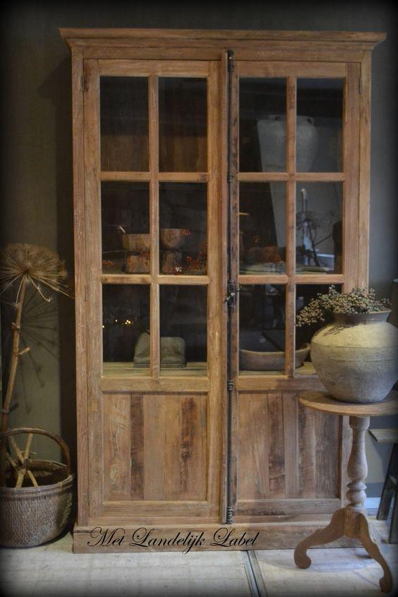 Stoere buffetkast van oud gebruikt teakhout deze kast heeft een espagnoletsluiting en mooie - Eigentijdse woonkamer decoratie ...