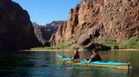 Excursión por kayak desde Las Vegas cercas de la presa Hoover | Las Vegas http://lasvegasnespanol.com/en-las-vegas/excursion-kayak-presa-hoover/