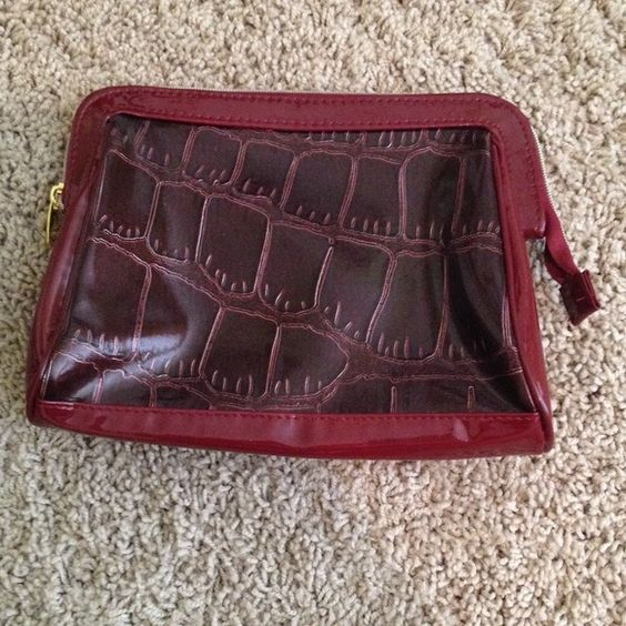 Makeup bag Perfect for storing a lot of makeup! Bags Cosmetic Bags & Cases