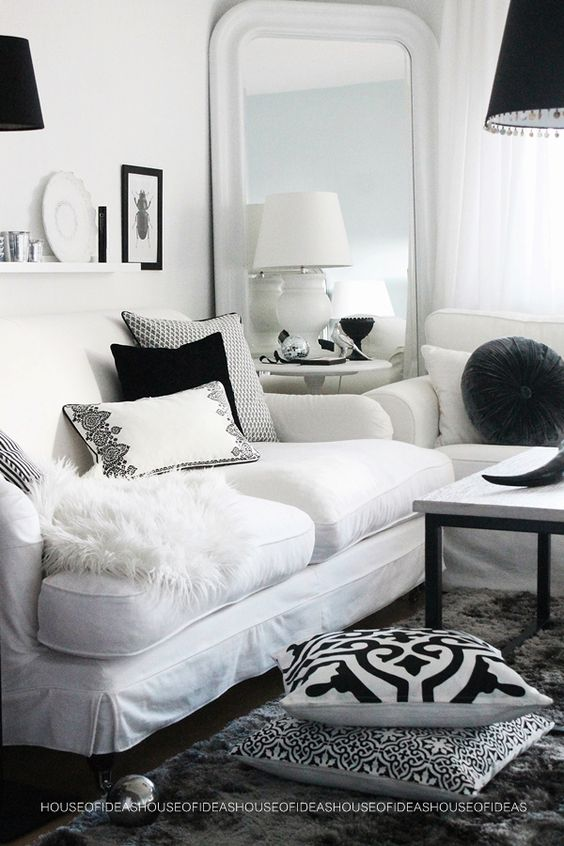 Living Room. Den. For those days you just want simple Black & White :: HOUSE of IDEAS