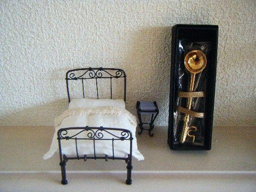 ワイヤーで ミニチュアベッド を作りました そらのとびら 楽天ブログ ミニチュア ドールハウス ミニチュア ベッド