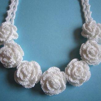 レース編みネックレス薔薇
